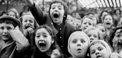 cropped-alfred-eisenstaedt-wide-range-of-facial-expressions-on-children-at-puppet-show-the-moment-the-dragon-is-slain-111.jpg